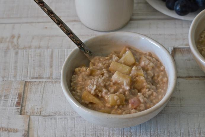 Steel cut oat apple porridge