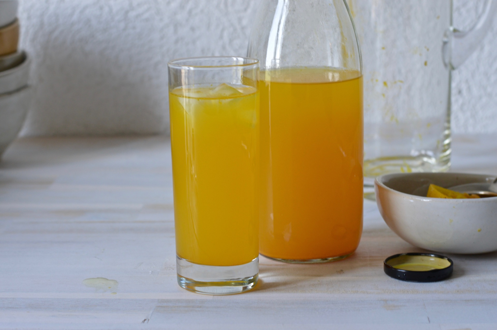Turmeric, ginger, lemon and honey for sore throat