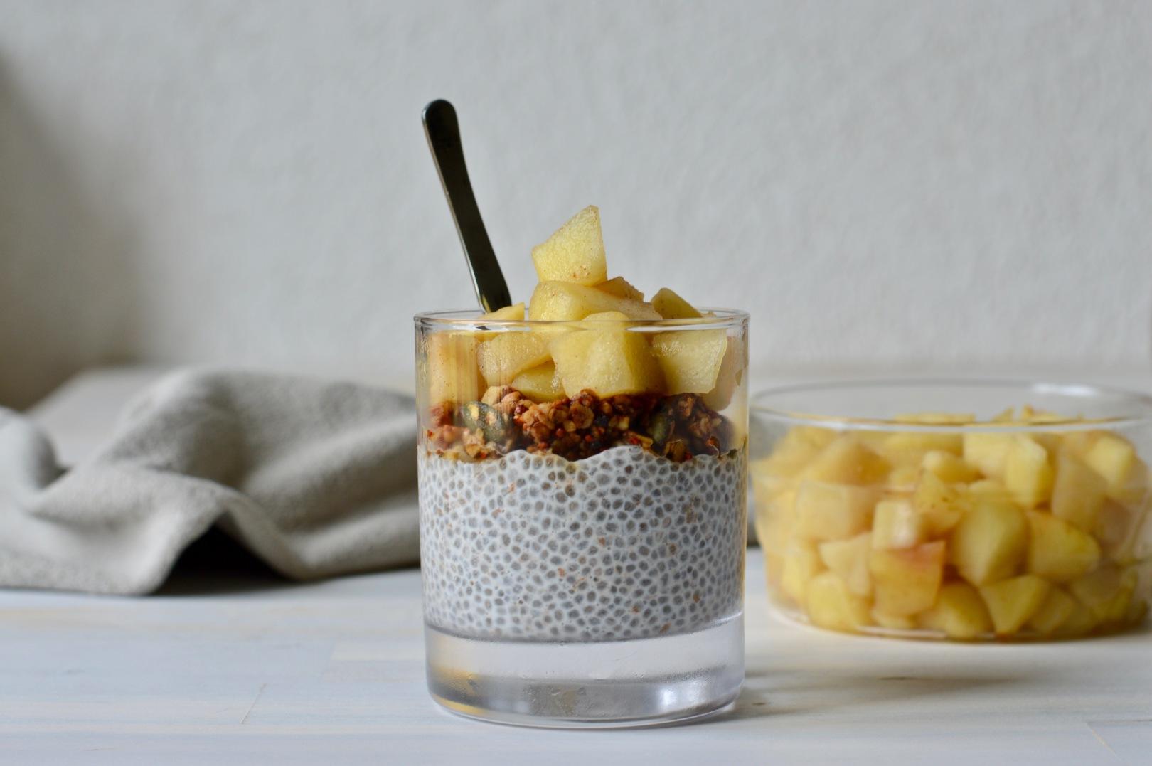 Apple chia pudding